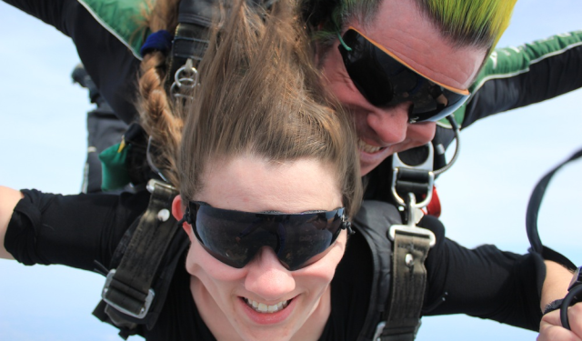 Skydiving freefall Esther
